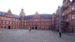 Der Innenhof von Schloss Johannisburg